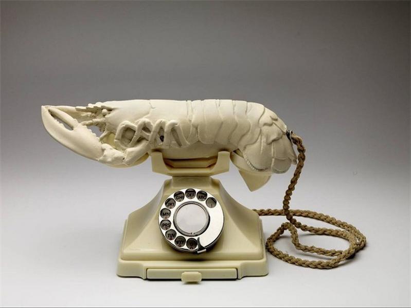 © Salvador Dalí, Fundación Gala-Salvador Dalí, Witte lustopwekkende telefoon, 1936, c/o Pictoright Amsterdam 2018